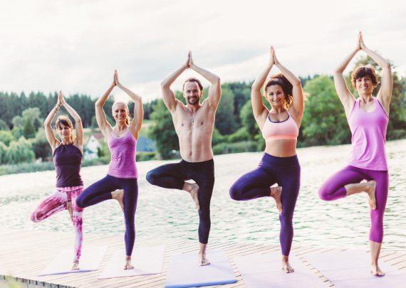yoga-kurse-bad saulgau-hathayoga-partneryoga-naamyoga-kundalini-bewegung-stretching-heavenonearth-yoga-health-physio-marina-stützle